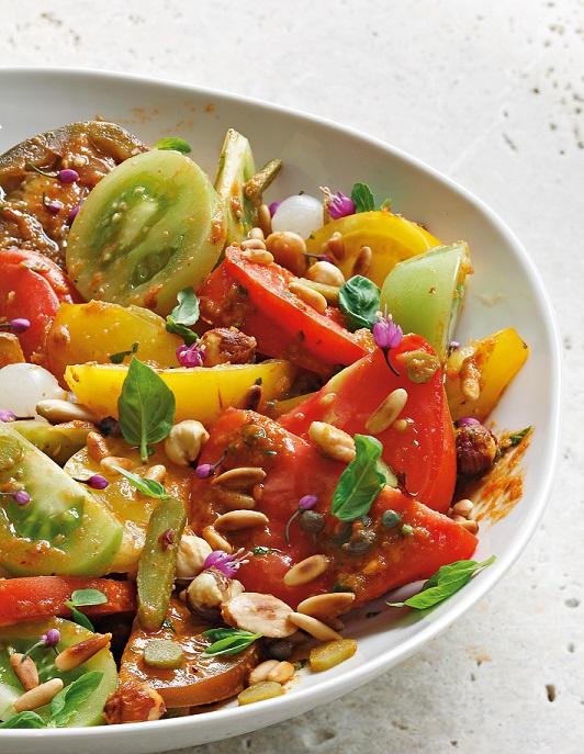 Salade de tomates, sauce Romesco