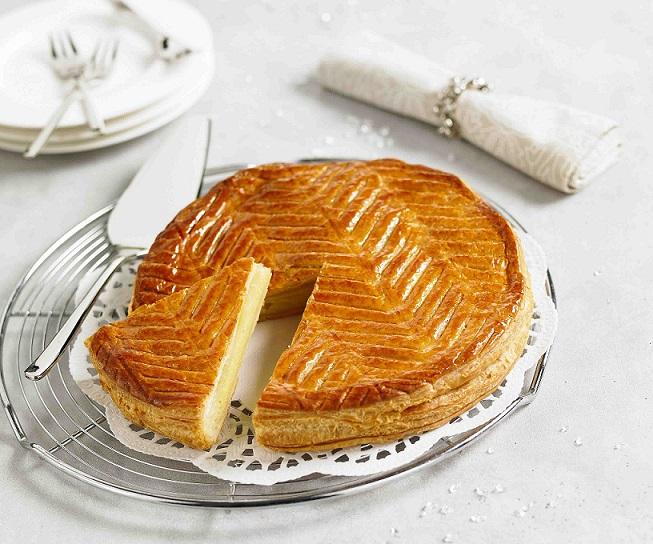La galette des rois frangipane le grand pastis for Galette des rois a la frangipane