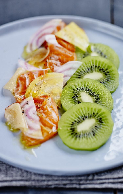 Saumon mariné aux agrumes et kiwis