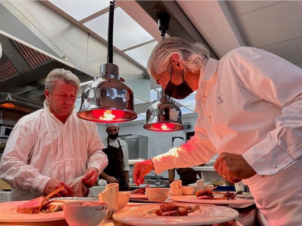 Le Phébus et son chef, Xavier Mathieu en cuisine avec Edouard Loubet